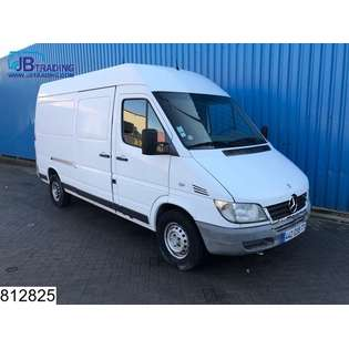 2005-mercedes-benz-300-serie-313-cdi-sprinter-cover-image