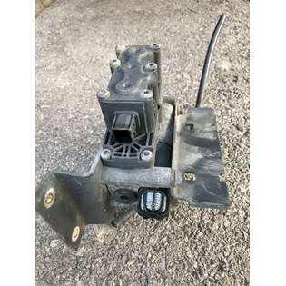 pneumatic-valve-wabco-used-404546-cover-image