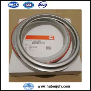 new-cummins-oil-seal-4955372-cover-image