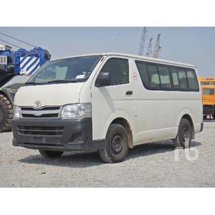 2013-toyota-hiace-440890-cover-image
