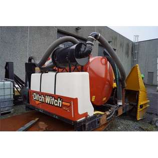 2014-ditch-witch-fxt50-vacuum-sucks-with-3-m3-tank-and-mt12-asphalt-cover-image