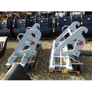2020-pladdet-pfk50-pallet-forks-crane-cw30-cw40-cover-image