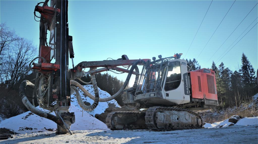 2015-sandvik-dx-800-320700-equipment-cover-image