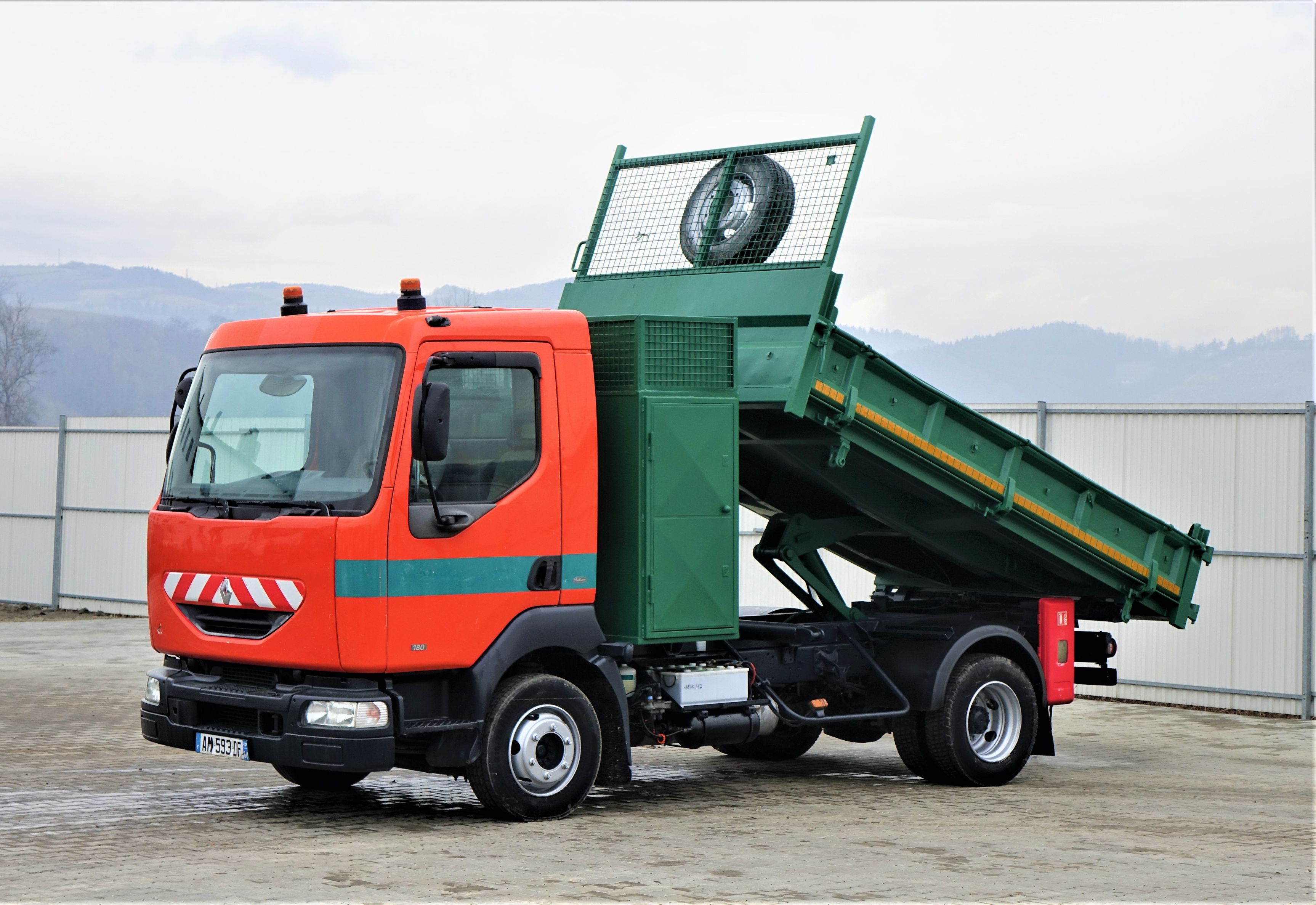 2001-renault-midlum-180-321121-equipment-cover-image