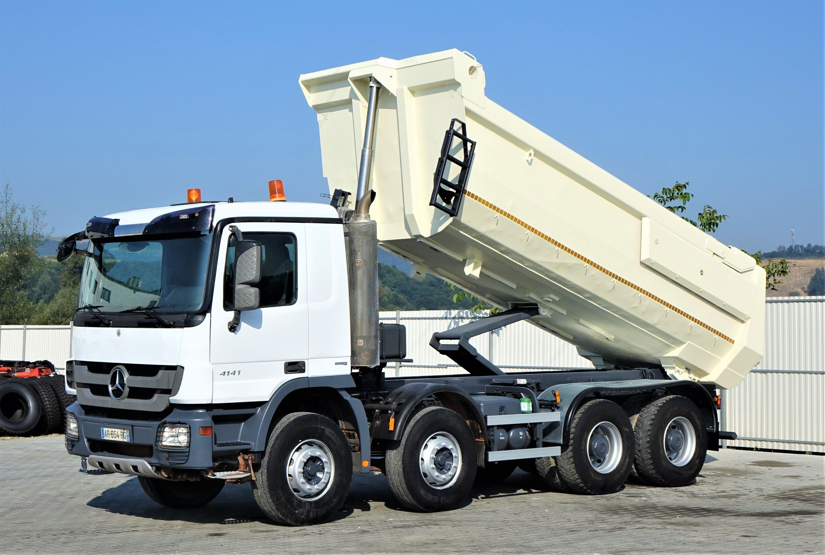 2011-mercedes-benz-actros-4141-321072-equipment-cover-image