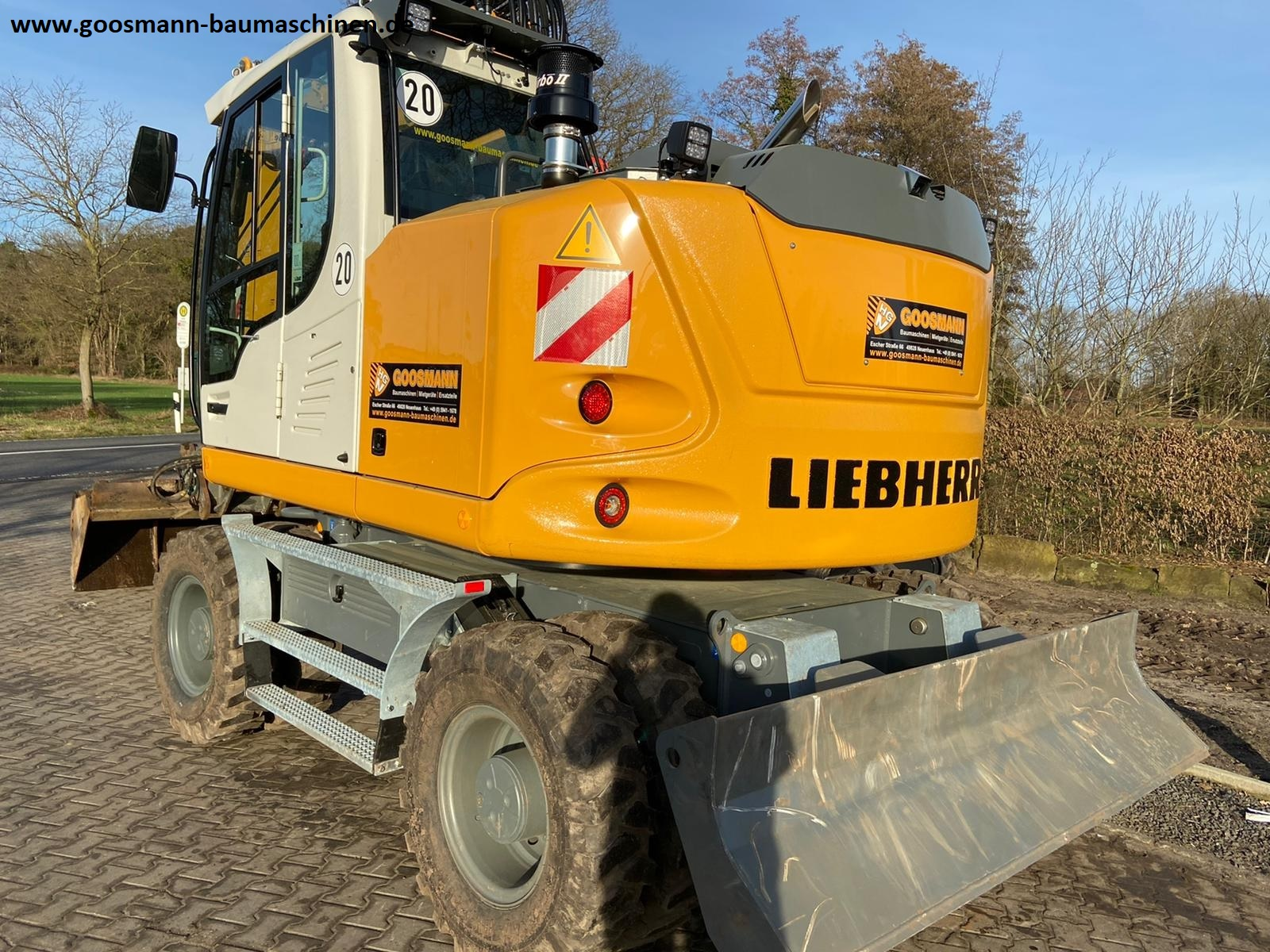 2021-liebherr-a914-litronic-compact-equipment-cover-image