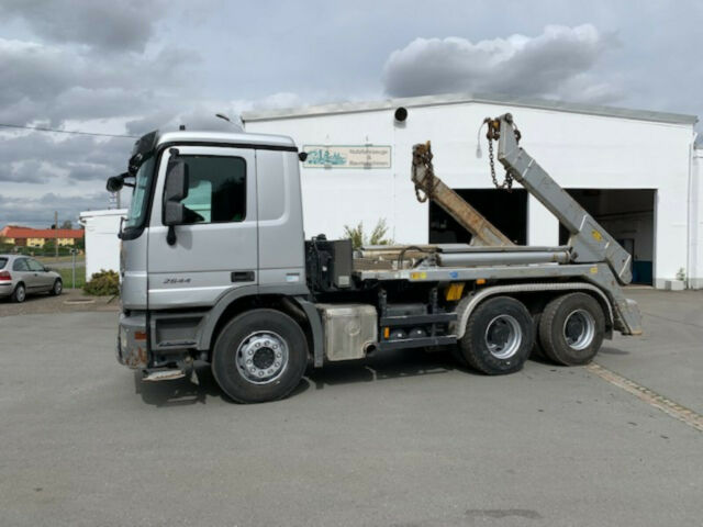 2011-mercedes-benz-actros-2644-219910-equipment-cover-image