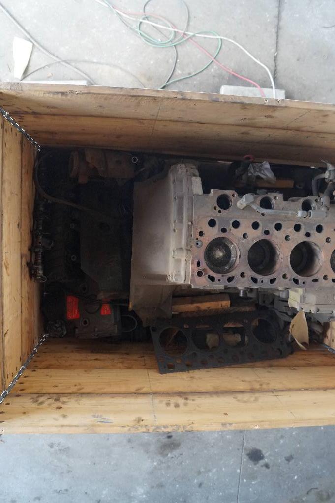 engines-mercedes-benz-part-no-om904la-equipment-cover-image