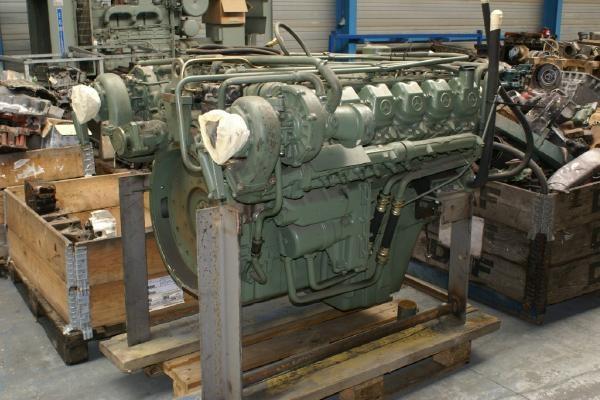 engines-mercedes-benz-part-no-om-424-a-equipment-cover-image