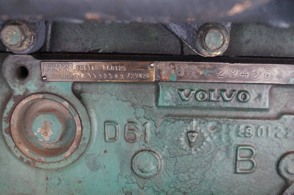 engines-volvo-part-no-td61a-11415714