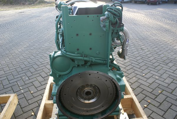 engines-volvo-part-no-tad1360ve-11415648