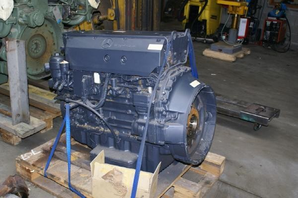 engines-mercedes-benz-part-no-om-906-la-equipment-cover-image