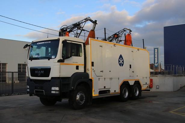 2012-man-tgs-33-360-27757-equipment-cover-image