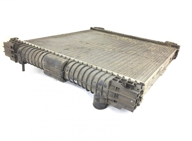 radiator-mercedes-benz-used-357999-18251469