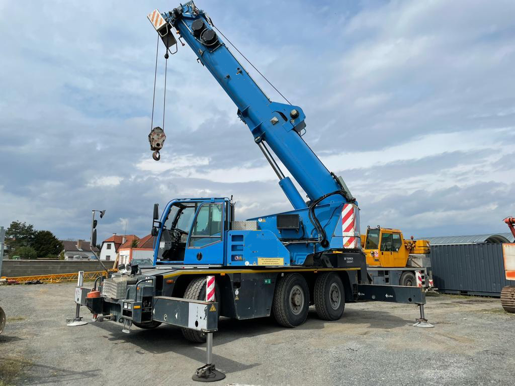 2004-demag-ac40-city-equipment-cover-image