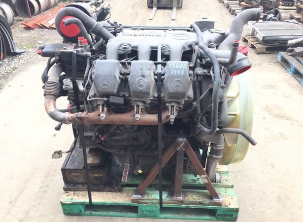 engines-mercedes-benz-used-373639-equipment-cover-image