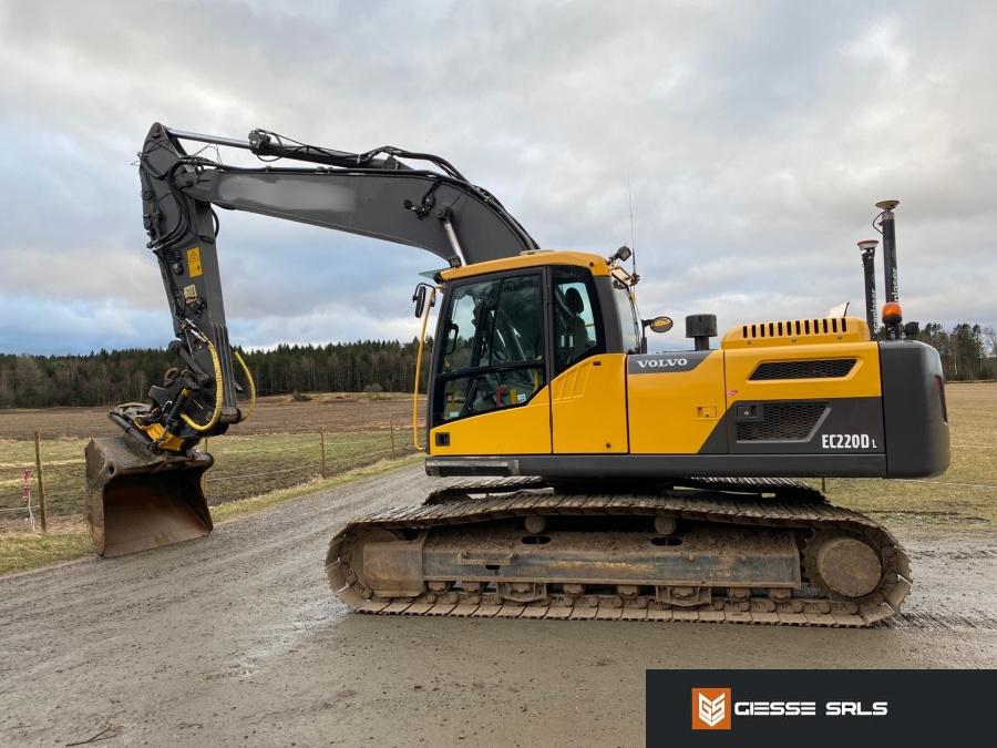 2014-volvo-ec220dl-373956-equipment-cover-image