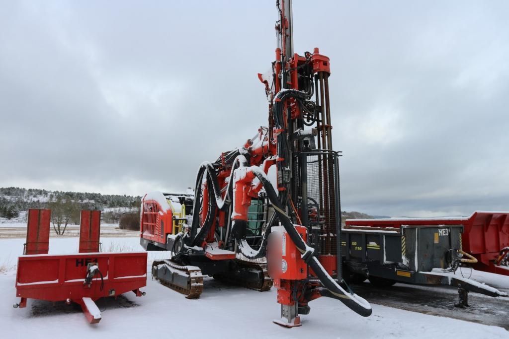 2019-sandvik-dx-800-equipment-cover-image