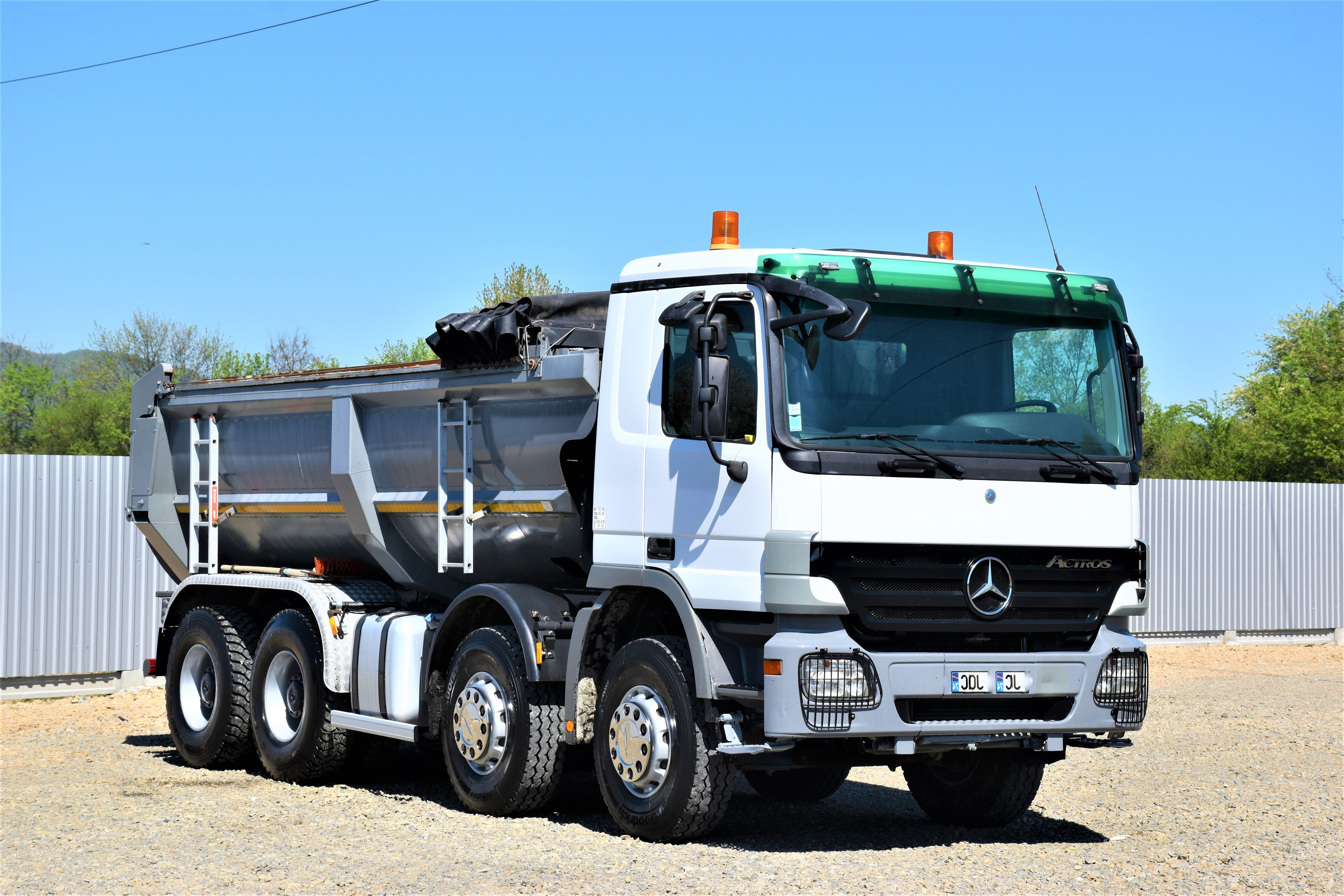 2010-mercedes-benz-actros-3246-equipment-cover-image