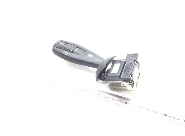 push-button-switch-mercedes-benz-used-385773-equipment-cover-image
