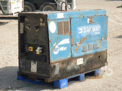 2004-miller-big-blue-500x-387615-equipment-cover-image