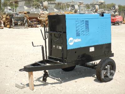 2004-miller-big-blue-452d-387624-equipment-cover-image