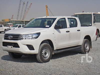 2018-toyota-hilux-370643-equipment-cover-image