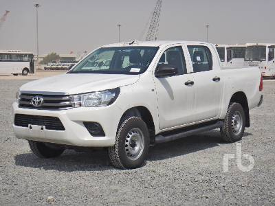 2018-toyota-hilux-370646-equipment-cover-image