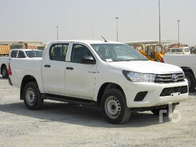 2019-toyota-hilux-370650-equipment-cover-image