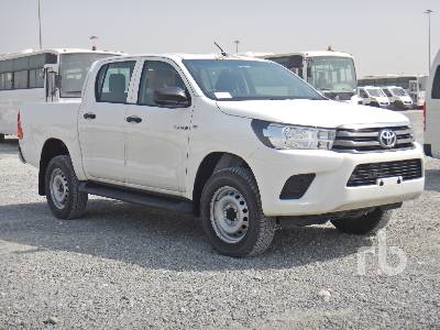 2018-toyota-hilux-370647-equipment-cover-image
