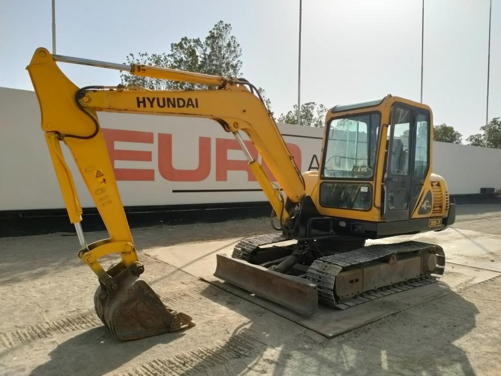 2010-hyundai-r60-7e-equipment-cover-image