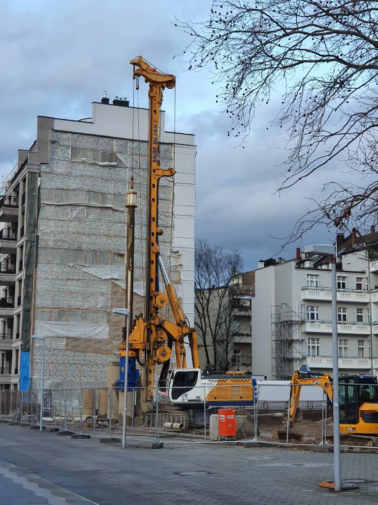 2014-bauer-bg-24-h-rig-plus-equipment-cover-image
