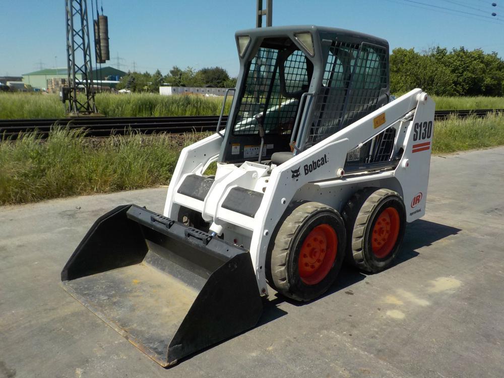 bobcat-s130-390478-equipment-cover-image