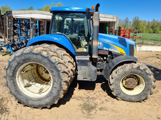 2007-new-holland-t-8040-391577-18771918