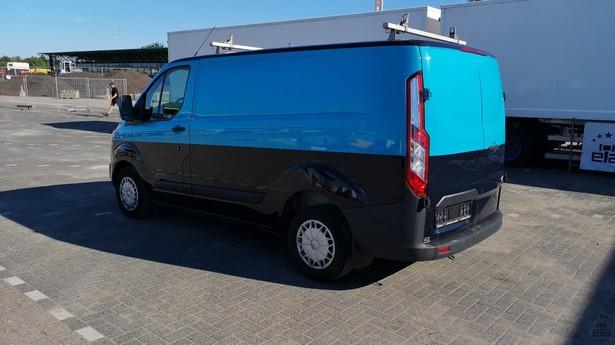 2014-ford-transit-391641-18772696