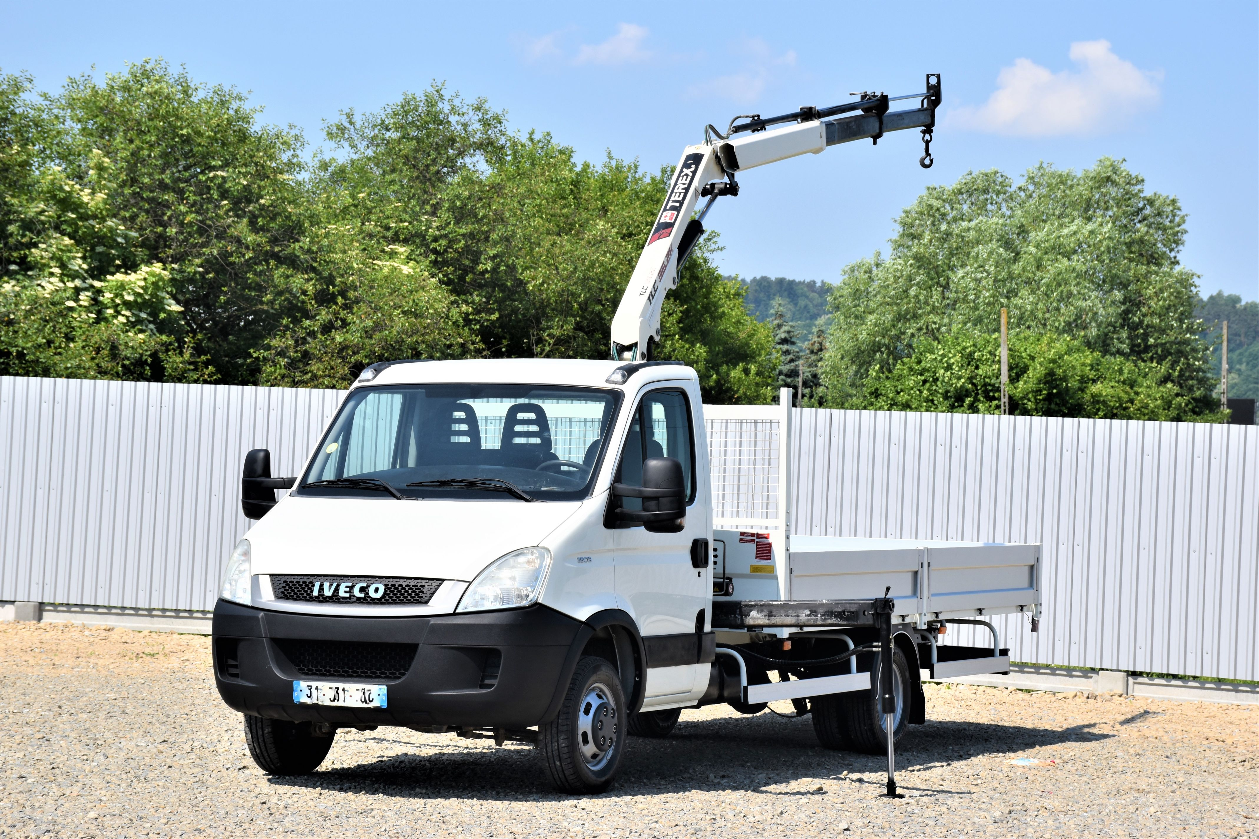 2011-iveco-daily-35c13-equipment-cover-image