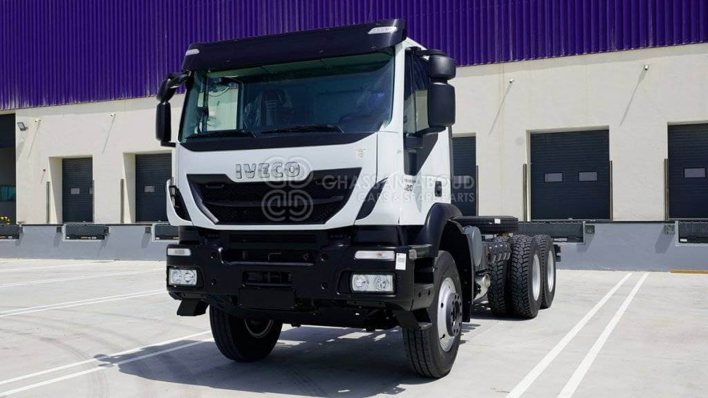 iveco-trakker-chassis-cab-6x4-gvw-41-ton-wheelbase-4500-w-hub-reduction-my21-chassis-cab-diesel-equipment-cover-image