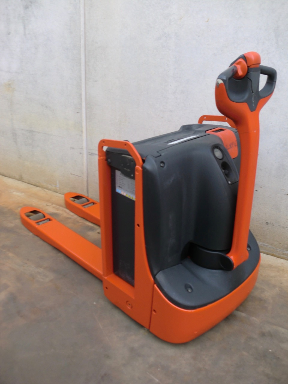 2014-linde-t16-167269-equipment-cover-image
