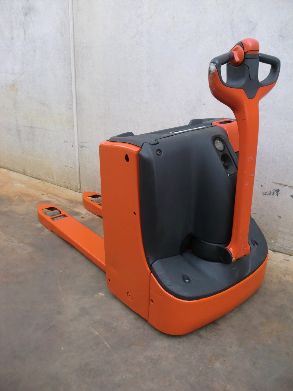 2013-linde-t16-167255-equipment-cover-image