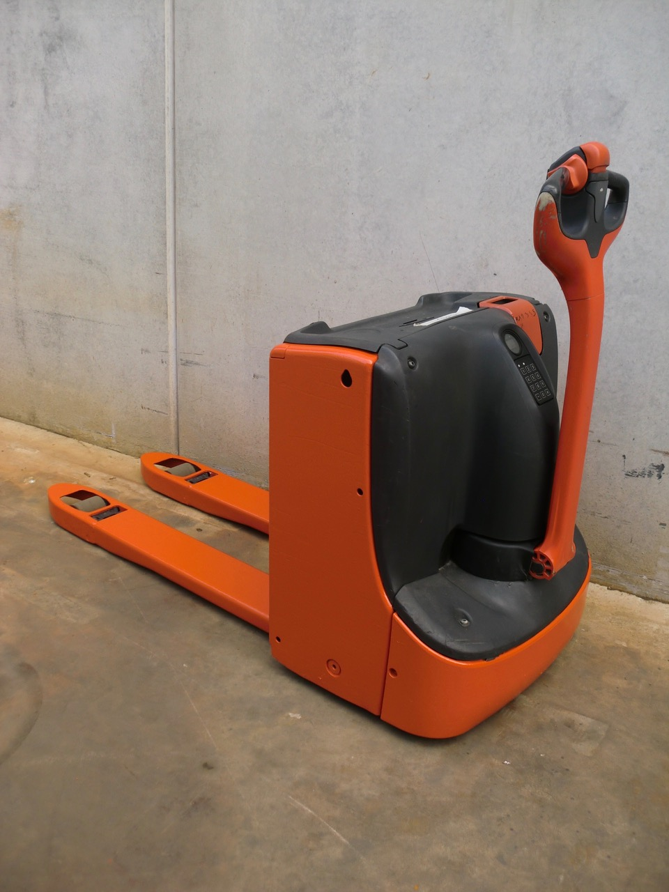 2015-linde-t16-167266-equipment-cover-image