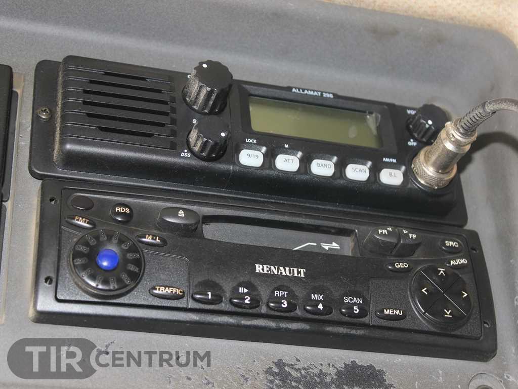 2004-renault-kerax-420-40-pr-8x4-ca-15297394