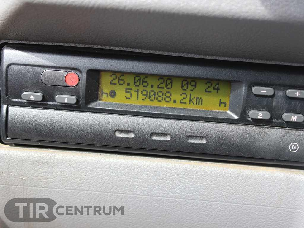 2004-renault-kerax-420-40-pr-8x4-ca-15297398