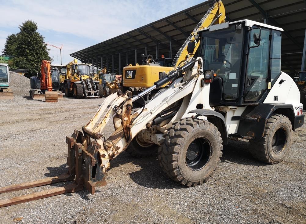 2007-caterpillar-908-equipment-cover-image