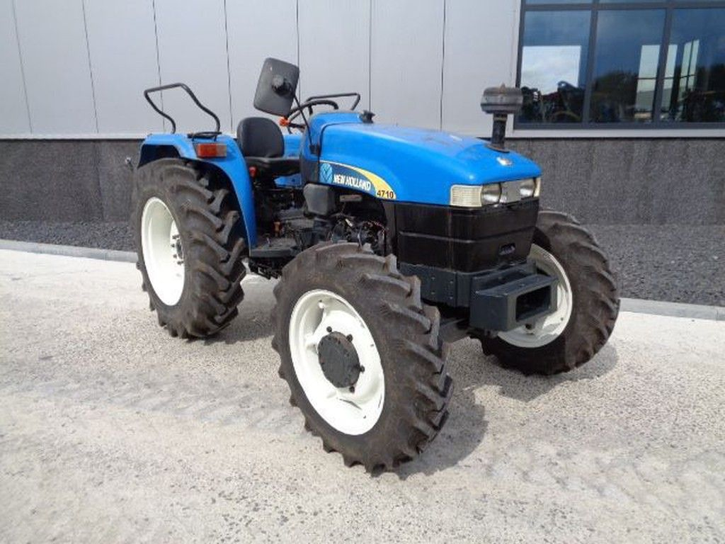 2010-new-holland-4710-equipment-cover-image
