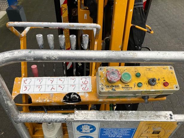 2006-oil-steel-octopussy-1465-460054-19749459