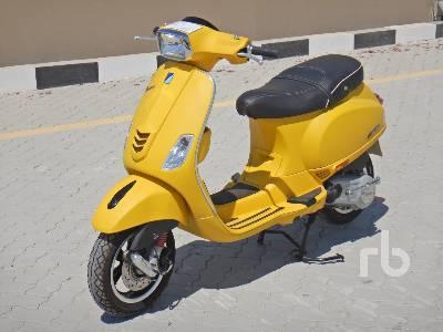 2020-piaggio-vespa-sxl-150-460400-equipment-cover-image