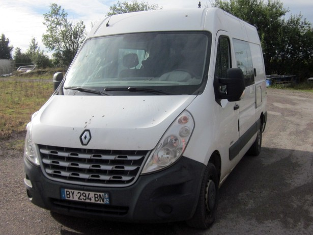 2011-renault-master-460677-equipment-cover-image