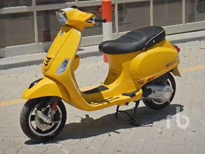 2020-piaggio-vespa-sxl-150-460402-equipment-cover-image