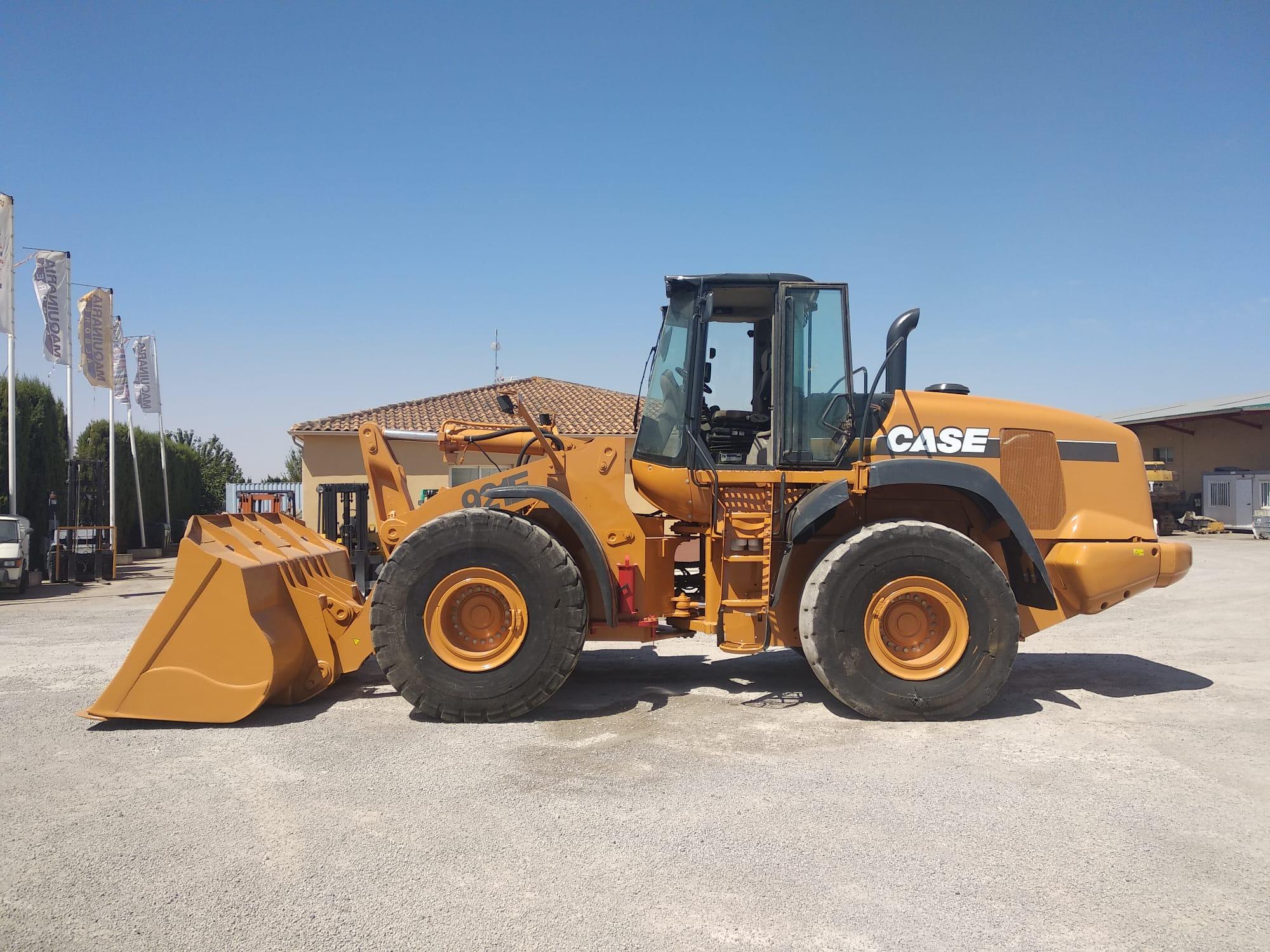 2011-case-921e-equipment-cover-image