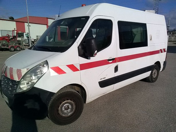 2010-renault-master-460885-equipment-cover-image